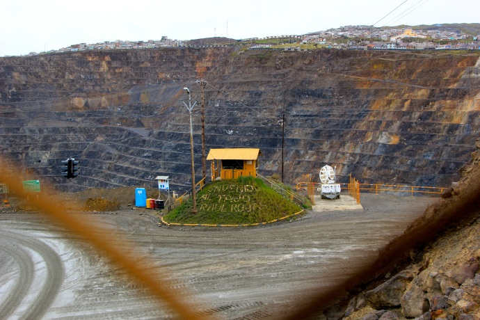 Pasco City is right on top of this ugly open mine.